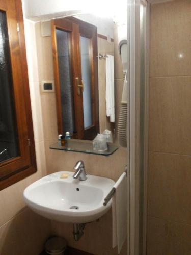 Hotel Adriatico photo 6