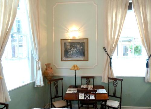 Picture of Crystal Palace Apartment
