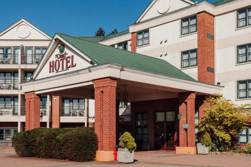 The Grand Hotel Nanaimo Photo