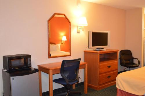 Americas Best Value Inn Gainesville - Gainesville, TX 76240