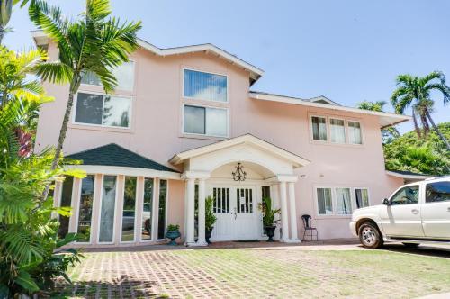 Old Lahaina House - Lahaina, HI 96761
