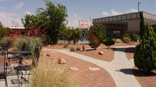 page boy motel in page az free internet outdoor pool. Black Bedroom Furniture Sets. Home Design Ideas