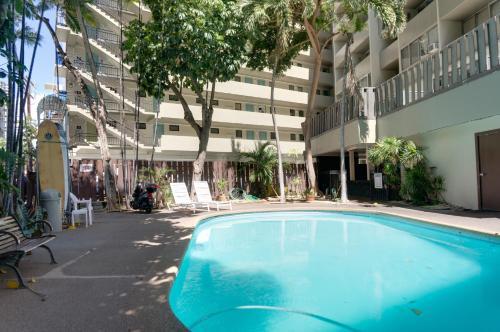 Castle Waikiki Grand Hotel - Honolulu, HI 96815