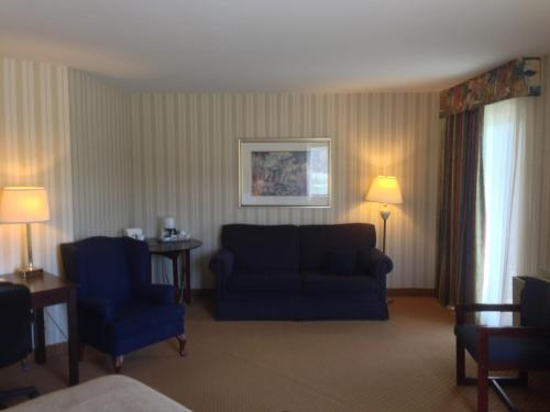 Quality Hotel & Suites Sherbrooke Photo