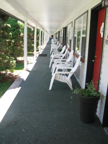 Hanging Lake Inn - Glenwood Springs, CO 81601