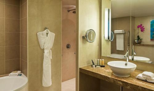 Radisson Blu Hotel, Abu Dhabi Yas Island photo 40