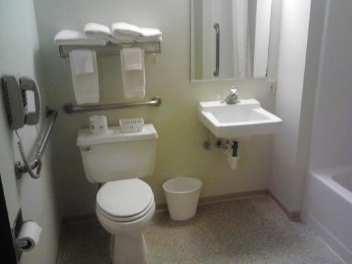 Smart Choice Inn & Suites - Plankinton, SD 57368