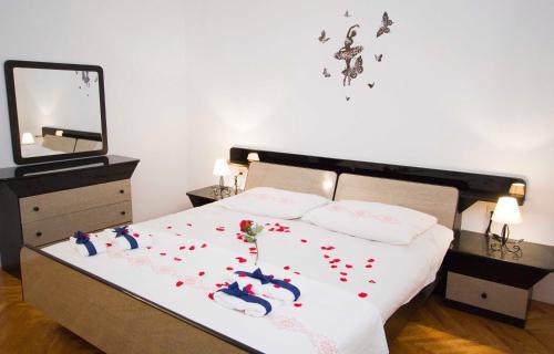 Apartment Pcelica Maja