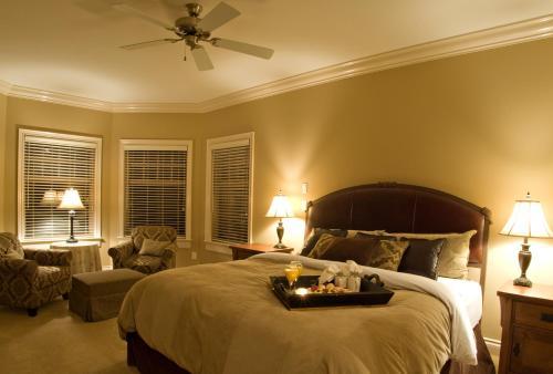 Sweet Dreams Luxury Inn - Abbotsford, BC V2T 5Z5