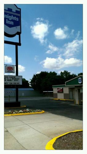 Knights Inn Fort Smith Airport - Fort Smith, AR 72901