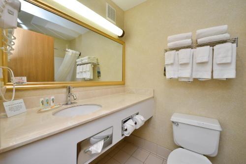 Quality Inn & Suites South - Sioux Falls, SD 57106