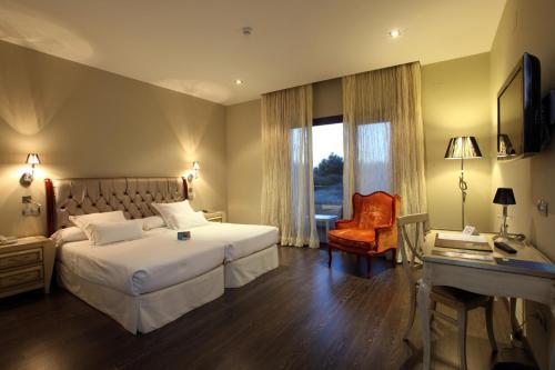 Superior Double Room Villa Nazules Hípica Spa 11