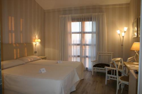 Single Room Villa Nazules Hípica Spa 3