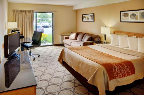 Comfort Inn Hwy. 401 - Kingston, ON K7L 4V4