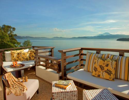 Malohom Bay, Tunku Abdul Rahman Marine Park, 88000 Kota Kinabalu, Sabah, Malaysia.