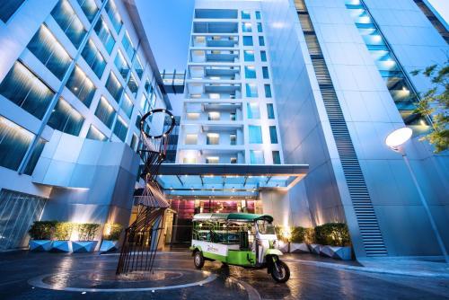 Radisson Suites Bangkok Sukhumvit impression
