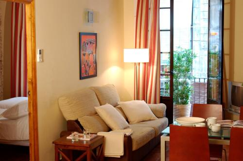 AinB Las Ramblas-Guardia Apartments photo 15