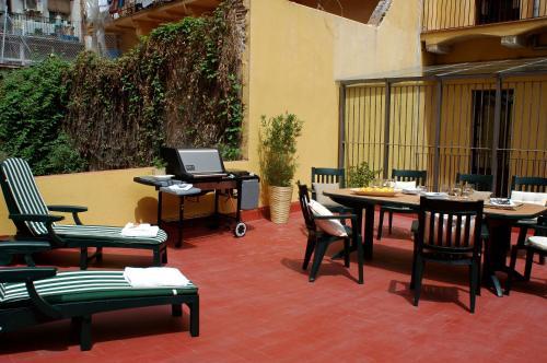 AinB Las Ramblas-Guardia Apartments photo 16