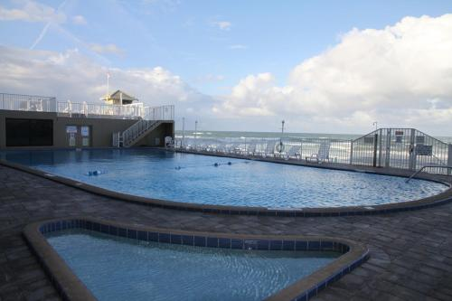 Oceanside Studio at Pirates Cove Photo