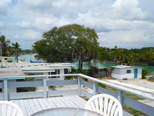 A Place To Be Nokomis Beach Hotel