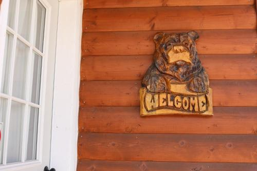 9-W Cabins Photo