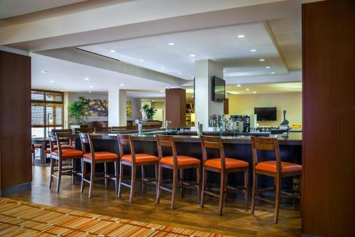 DoubleTree by Hilton San Francisco Airport Photo
