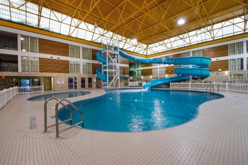 Victoria Inn Hotel and Convention Centre Thunder Bay Photo