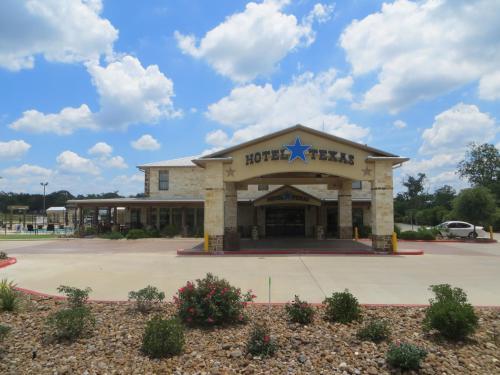 Hotel Texas Hallettsville - Hallettsville, TX 77964