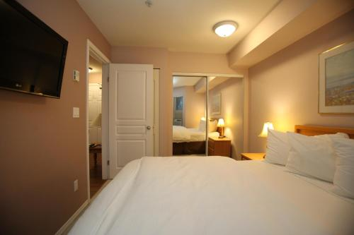 Times Square Suites - Vancouver, BC V6G 3E4