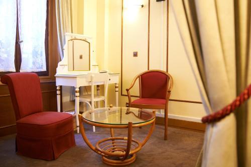 Hotel Maillot photo 18