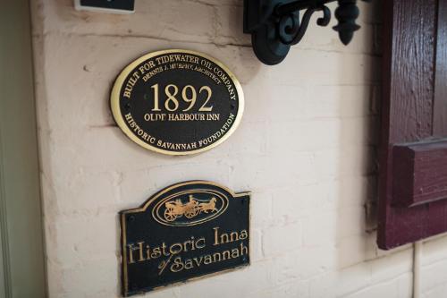 Olde Harbour Inn Photo