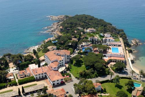 Habitación Doble Clásica con terraza y acceso al spa Hostal de la Gavina GL 8