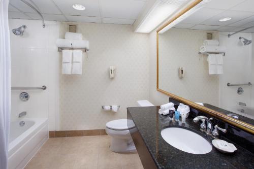 Crowne Plaza Hotel Englewood - Englewood, NJ 07631