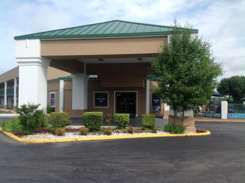 Knights Inn West Memphis - West Memphis, AR 72301