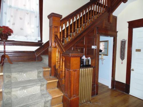 Rideau Inn - Ottawa, ON K2P 0X4