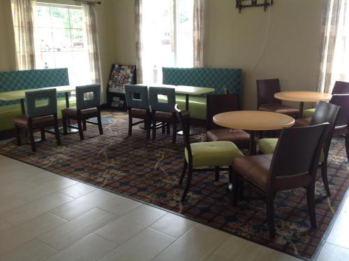 Executive Inn And Suites Jefferson - Jefferson, TX 75657