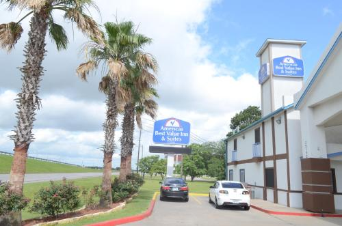 America's Best Value Inn & Suites - Rosenberg/houston - Rosenberg, TX 77471