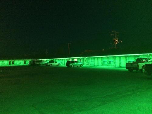 Wheel Inn Motel Photo