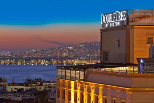 Izmir DoubleTree by Hilton Izmir - Alsancak fiyat