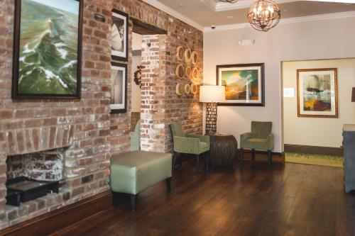 The Cotton Sail Hotel - Savannah, GA 31401