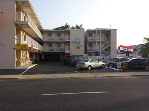 Bay Breeze Motel Photo