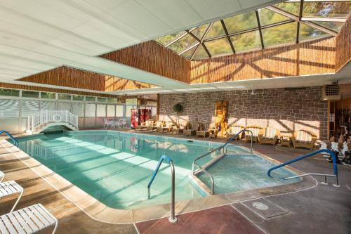 Lake-in-wood Camping Resort - Narvon, PA 17555