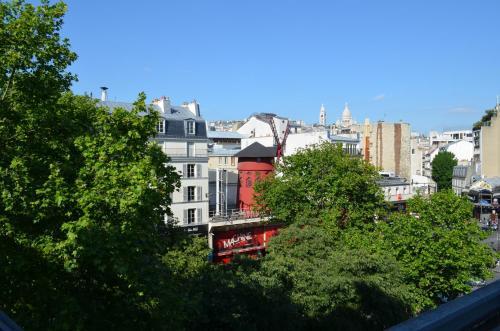 goldhotel h tel 67 boulevard de clichy 75009 paris adresse horaire. Black Bedroom Furniture Sets. Home Design Ideas
