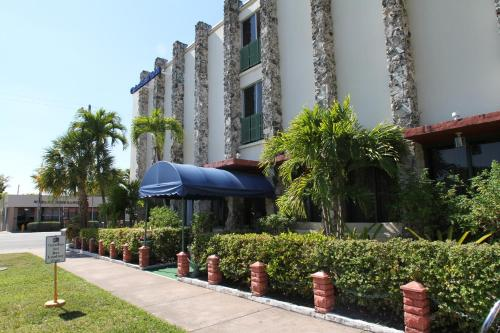 Hotel Chateaubleau Photo