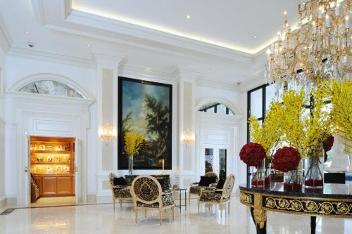 Beverly Hills Plaza Hotel - Los Angeles, CA 90024