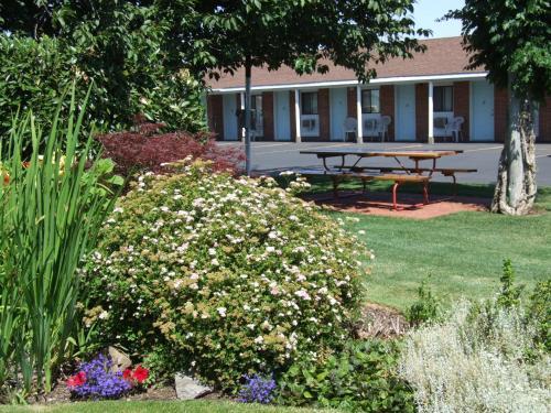 Walla Walla Garden Motel - Walla Walla, WA 99362