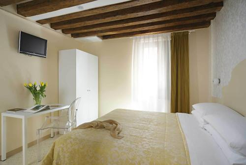 Hotel Adriatico photo 19