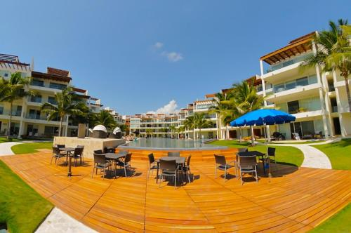 The Elements Oceanfront & Beachside Condo Hotel Photo