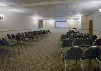Comfort Inn & Suites Thousand Islands Harbour District - Gananoque, ON K7G 2L7