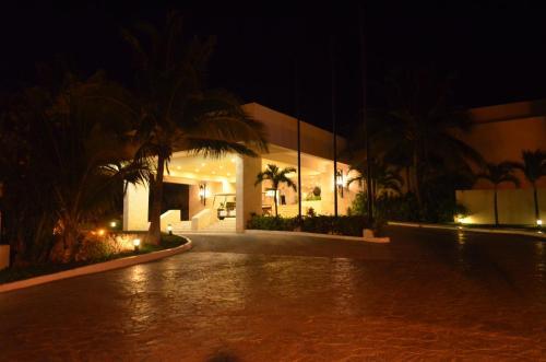Grand Park Royal Cancun Caribe - All Inclusive Photo